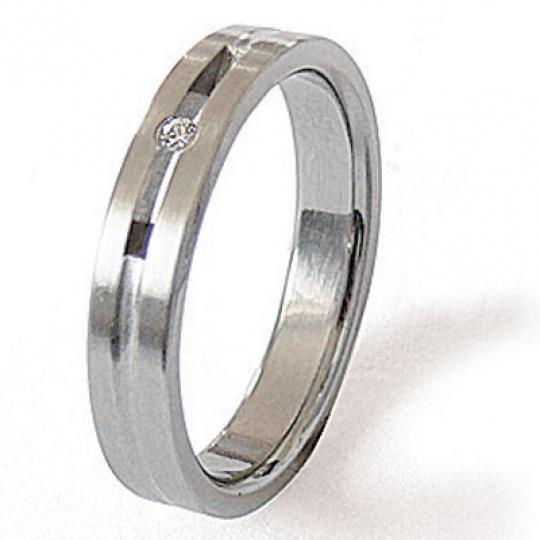 Prsten z chirurgické oceli 04026